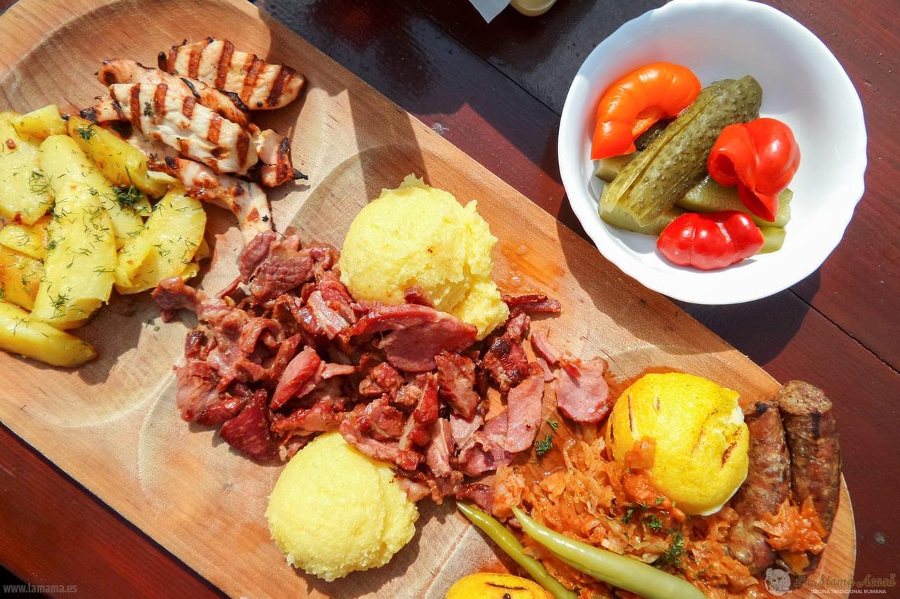 Restaurante La Mama Acasă, cocina tradicional rumana en Barcelona